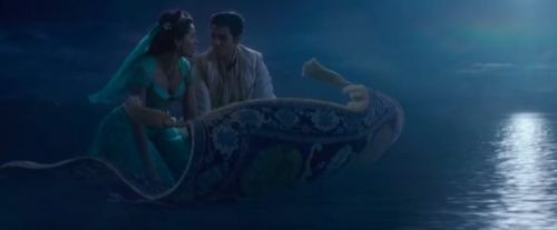 """'Aladdin' TV Spot: Listen to the New Rendition of """"A Whole New World"""""""