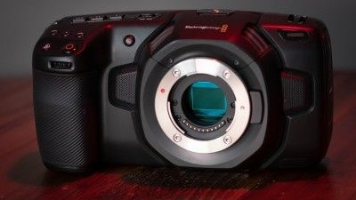 5 Mirrorless Cameras to Consider Buying These Holidays
