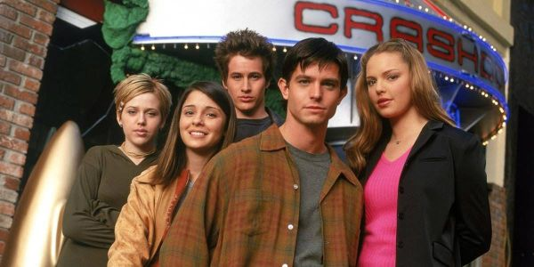 CW's Roswell Reboot Recruits Vampire Diaries Producer