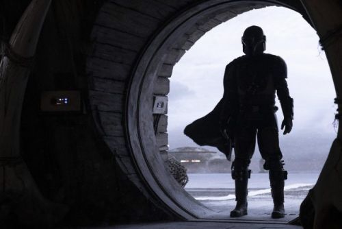 THE MANDALORIAN SWCC Panel Pulls Back The Curtain On The STAR WARS Series; New Official Images Released