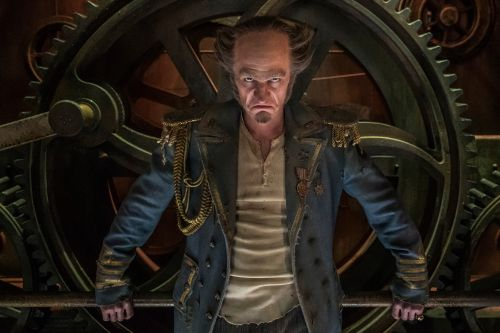 Netflix's 'A Series of Unfortunate Events' Season 3 Trailer Teases The Story's End