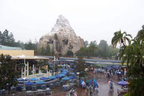 8 Disneyland Attractions That Should Be Turned Into Movies