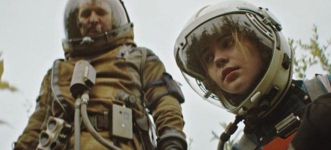 How to Design a Good Sci-Fi Space Helmet: An Interview With the Filmmakers of 'Prospect'