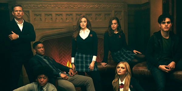 How Legacies Pulled Off Those Crossovers With The Flash And Scream