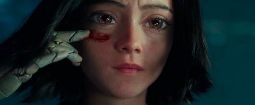 'Alita: Battle Angel' Trailer: Alita Dives Headfirst Into the Fight