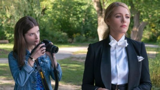 A SIMPLE FAVOR Review: Only The Slightest Shades Darker