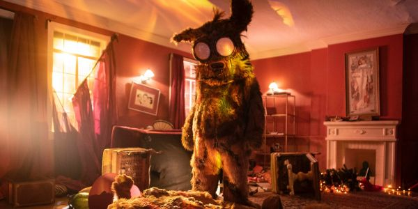 Into the Dark: Pooka! Trailer - Hulu's Horror Anthology Makes Christmas Terrifying