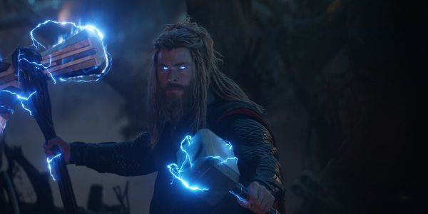 Yes, Chris Hemsworth And His Wife Have Arguments About Thor's Hammers