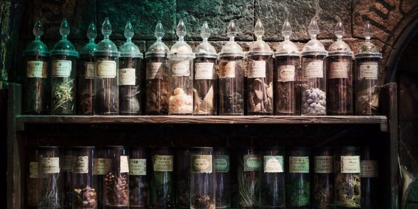 Harry Potter: 10 Potions That Should Be Illegal