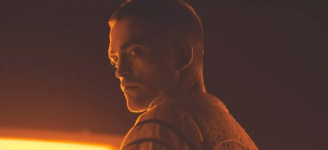 """Christopher Nolan's """"Crazy"""" New Film is the """"Length of Three Movies"""", According to Robert Pattinson"""