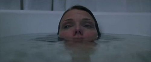 The Scariest Scene in 'What Lies Beneath' Uses a Jump Scare to Create Unbearable Tension and Empathy