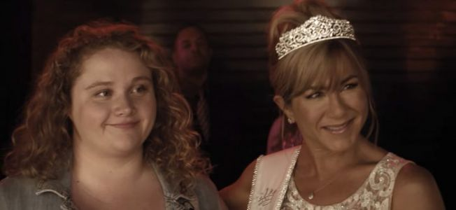"'Dumplin"" Trailer: Jennifer Aniston's Plus-Size Daughter Changes the Beauty Pageant Game"