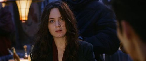'Mortal Engines' Director Gives a Lame Excuse for Hester's Sexy Scar