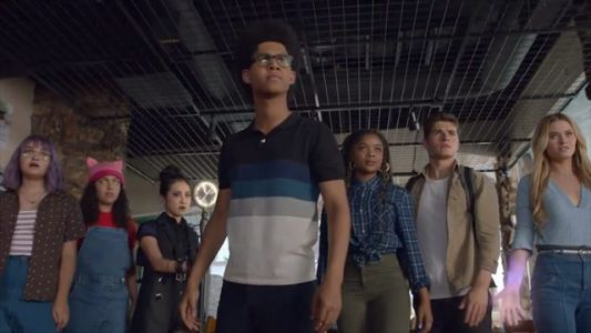 The Runaways Use Their Powers As a Team in New Promo