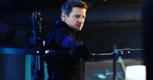 Jeremy Renner Teases Hawkeye's Return in Avengers