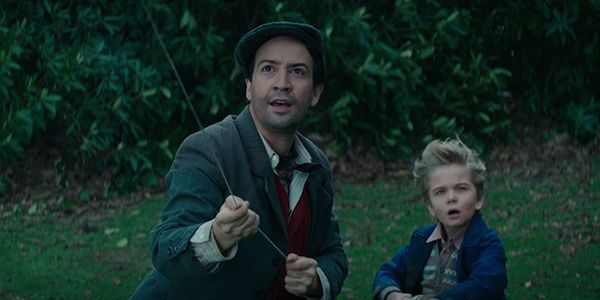 New Mary Poppins Returns Video Has Lin-Manuel Miranda Singing His Heart Out