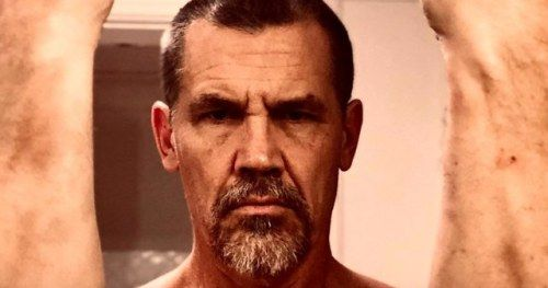 First Dune Behind-the-Scenes Photo Has Josh Brolin in a Fighting