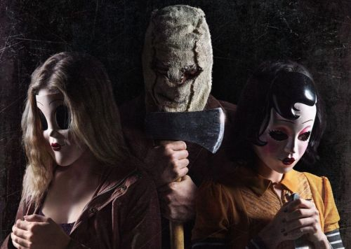 Things Get Scary on a Visit to The Strangers: Prey at Night Set