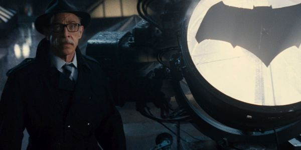 Zack Snyder: GCPD Comic in BvS Embodies Gotham's Feelings About Batman