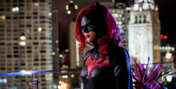 WBTV Bringing Batwoman, Supernatural, Arrow & More To SDCC 2019