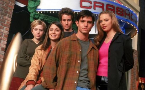 Roswell Reboot and Five More Pilots Ordered by The CW