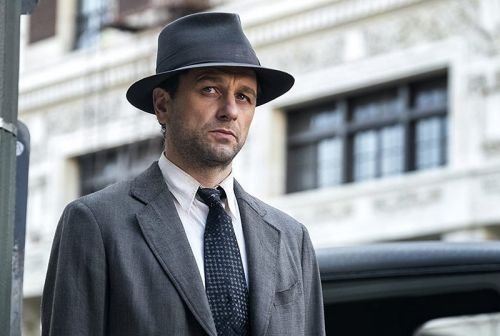 Mandatory Streamers: Matthew Rhys is Perry Mason in HBO's New Miniseries