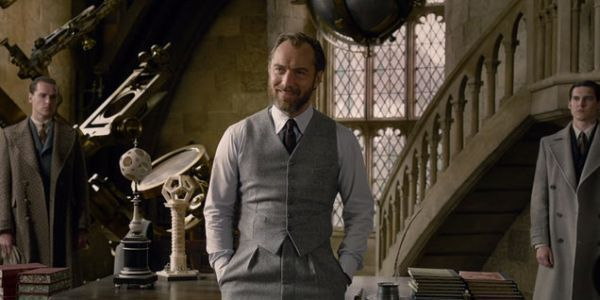 Jude Law Has Explained A Fantastic Beasts Continuity Error In Crimes Of Grindelwald