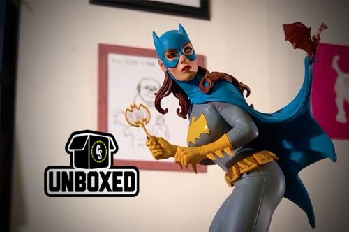 CS Unboxed: DC Collectibles Cover Girls Batgirl Statue by Frank Cho