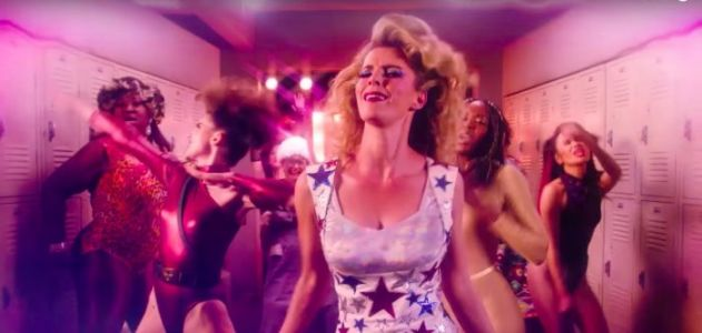 'GLOW' Season 2 Teaser: The Ladies Flash the Premiere Date of the Netflix Wrestling Series