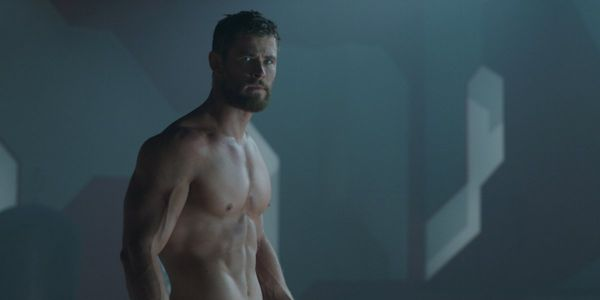Chris Hemsworth Looks Ripped In First Look At Netflix Movie Extraction