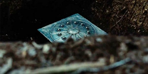 Zack Snyder Reveals Justice League's Alternate Mother Box History