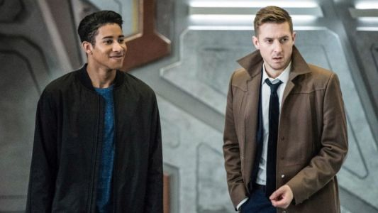 Welcome Wally West to the Waverider in Legends of Tomorrow Photos