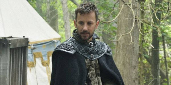 Charmed Reboot Casts Reign's Craig Parker as Possibly Villainous CEO