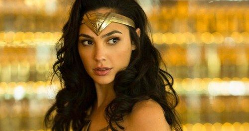 Wonder Woman 1984 Comic Con Footage Reveals a Massive Mall