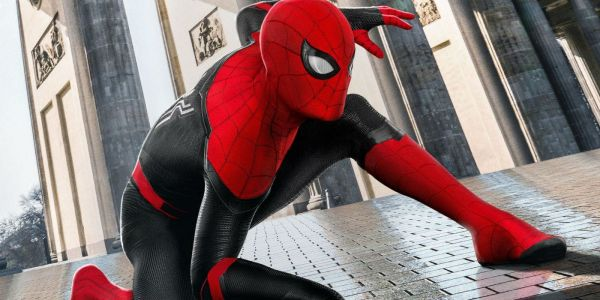 Far From Home Image Reveals How Tom Holland Drinks in His Spider-Suit