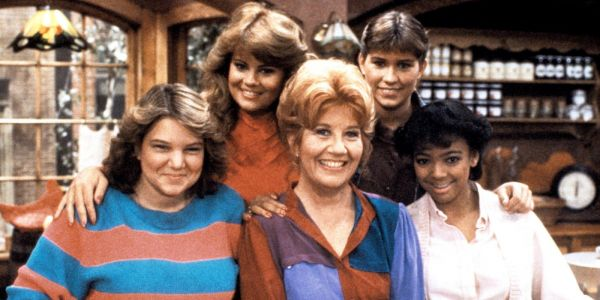 'Facts of Life' Reboot in the Works With Leonardo DiCaprio, Jessica Biel in Talks to Produce