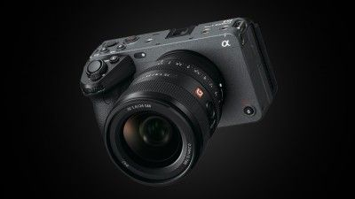 Sony's New FX3 Has Better AF than the FX6, Plus IBIS
