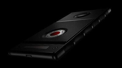 """3 """"Disappointing"""" Early Reviews of the RED Hydrogen One"""