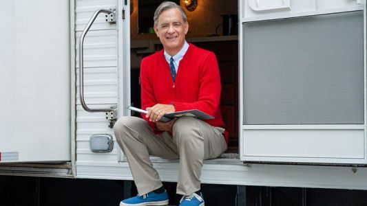 First Look Photo at Tom Hanks as Mister Rogers