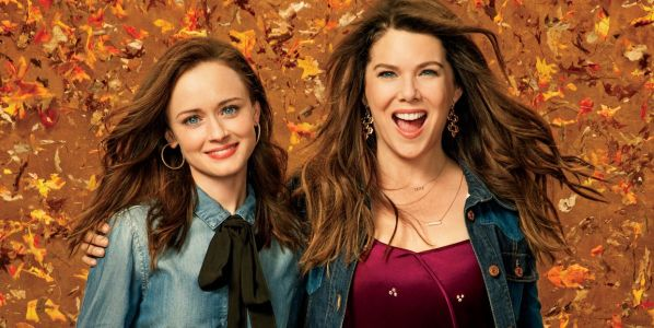 20 Behind-The-Scenes Photos That Completely Change Gilmore Girls
