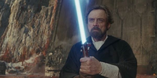Mark Hamill Compares Luke Skywalker To A Recovering Addict, Isn't Wrong