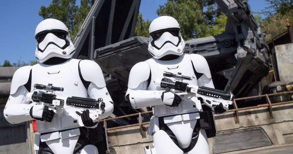 Star Wars: Galaxy's Edge Public Opening Swells to Capacity in Just 20 Minutes
