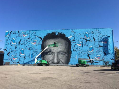 A Giant Mural of Robin Williams Goes Up in Chicago
