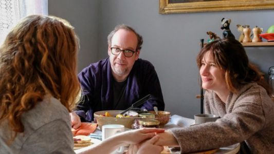 'Private Life' Review: Paul Giamatti & Kathryn Hahn Shine in This Agonizing Family Dramedy