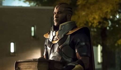 The Arrow-verse Crossover's Premiere Introduced Elseworlds' Villains Without Many Explanations