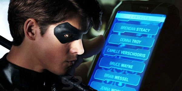 Titans: Dick Grayson's Phone Easter Eggs Explained