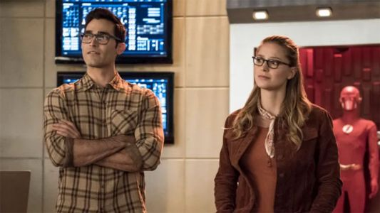 "The Flash Season 5 Episode 9: ""Elseworlds - Part 1"" Recap"