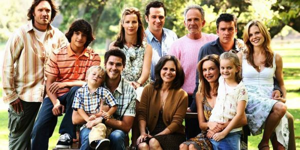 Which Family TV Drama Are You, Based On Your MBTI® | ScreenRant