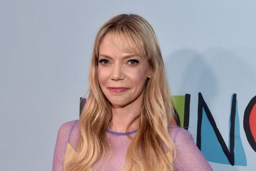 Amy Poehler Developing Riki Lindhome Sitcom Tails at Fox