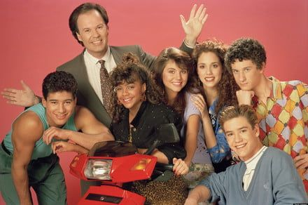 Saved By the Bell sequel series will reunite Mario Lopez and Elizabeth Berkley